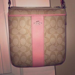 Crossover purse